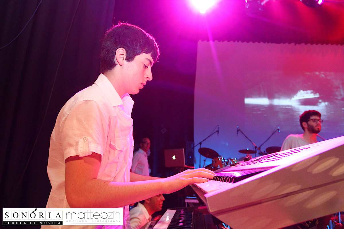 007_on-stage-13-104